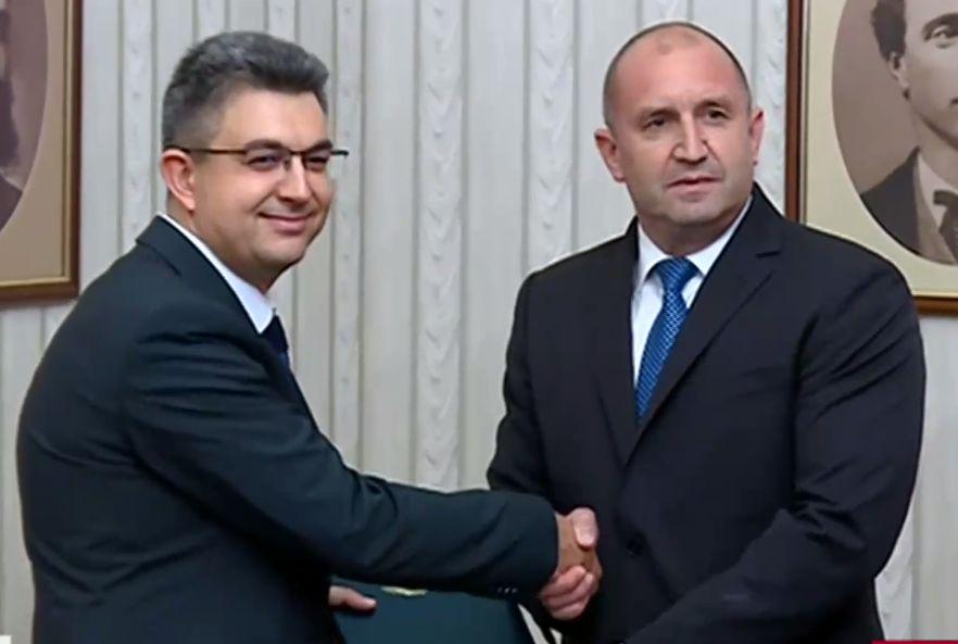 Папката получи кандидатът за премиер на ИТН Пламен Николов