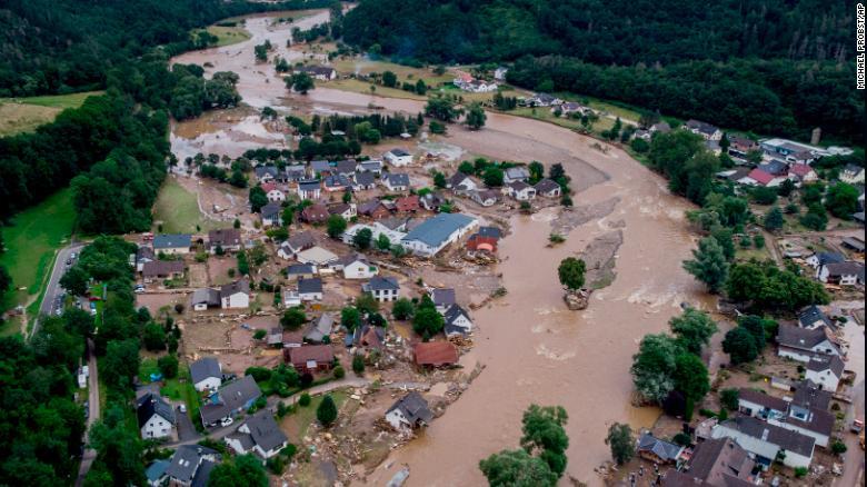 Смъртоносните наводнения в Германия са били до 9 пъти по-вероятни поради изменението на климата