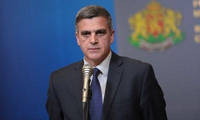 Премиерът Стефан Янев е против задължителна ваксинация