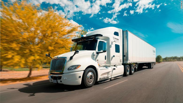 Американска компания пуска първите автономни камиони