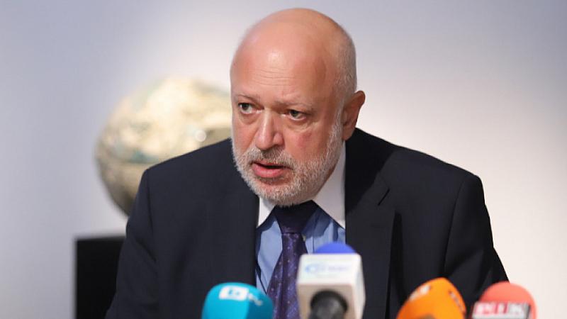 """Проф. Минеков праща доброволна покана на """"Труд"""" да напусне сградата на МК"""