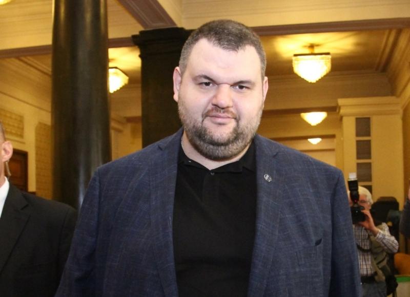 Прокуратурата е започнала и прекратила 14 преписки срещу Пеевски