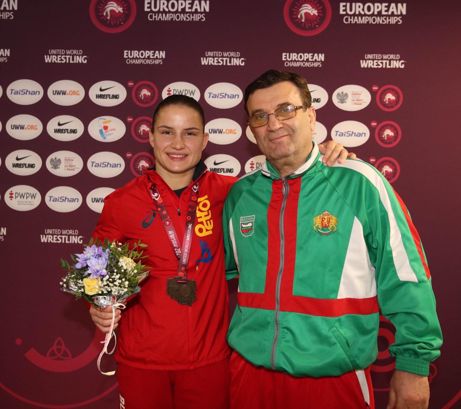 Биляна Дудова е на крачка от финал на световното по борба в Осло